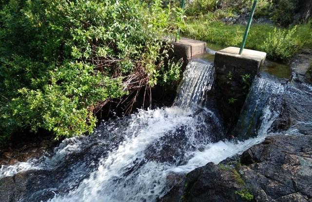Salto de agua en Baño de la India