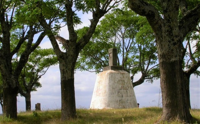 Mojón en Cerro del Marco