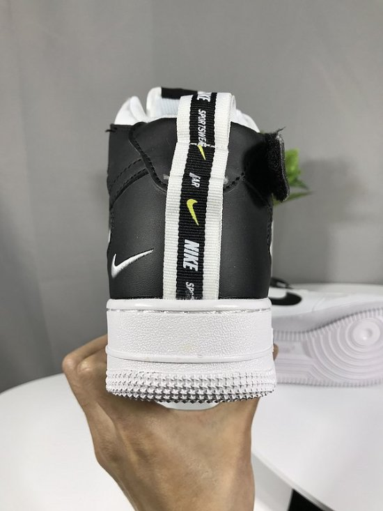 NIKE Air Force 1 High fold effect Blancas y Negras 3