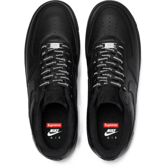 Supreme x NIKE Air Force 1 Low Negras 2
