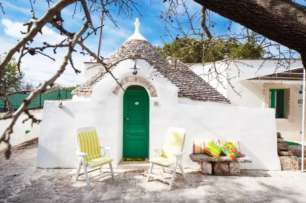 checking in 22 jaw dropping iconic airbnbs in europe to europe and beyond