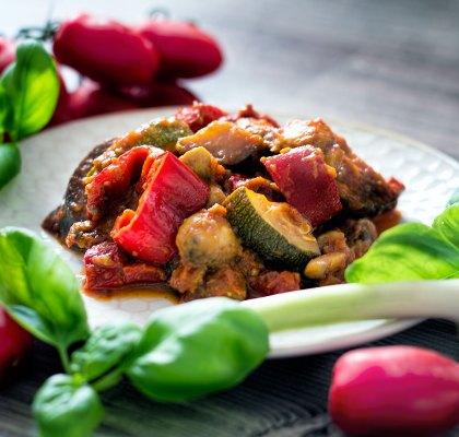 Abbildung von mediterraner Gemuese Pfanne vegan