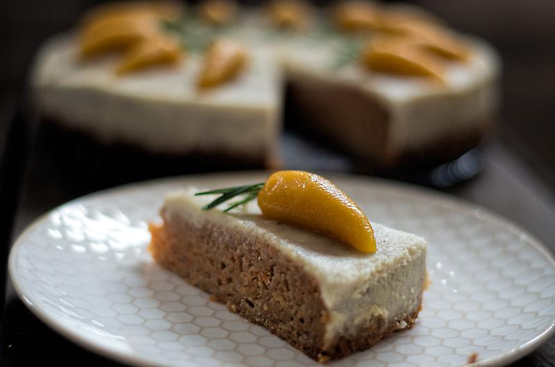 Karottenkuchen mit Cashew-Macadamia-Frosting
