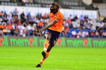 Week-end de nos internationaux : Adebayor, Womé Dové, Mlapa, des buts et des passes décisives