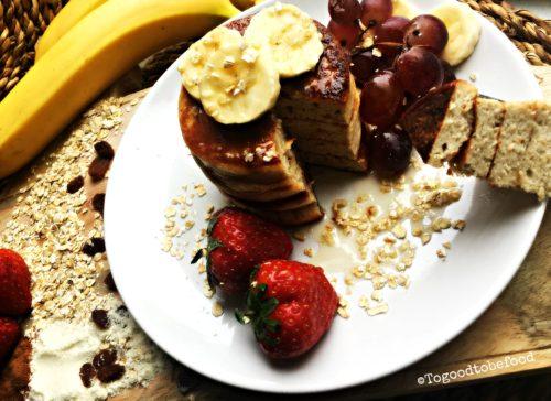 Fluffy eiwit bananen pancakes met havermout