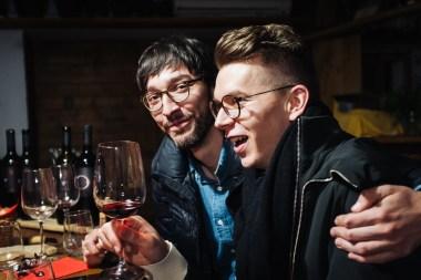Primož in Marko med degustacijo vin Cultus, Vipavska dolina