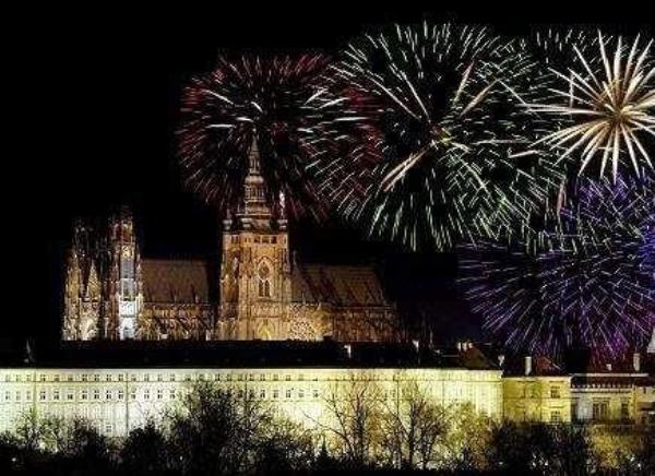 in-the-czech-republic-fireworks-displays-light-up-the-sky