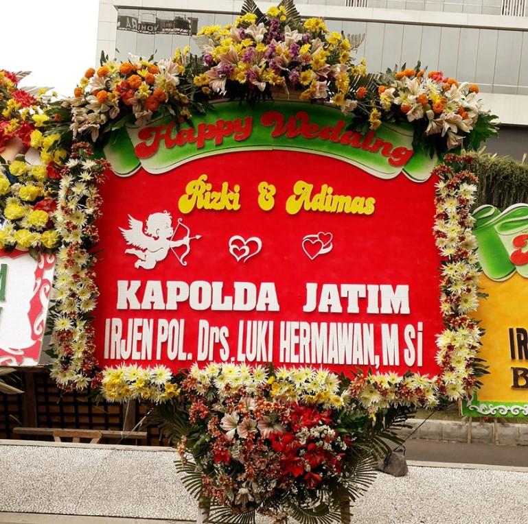 Jual Papan Bunga Pernikahan di Pinrang