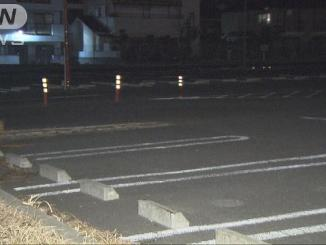 An elderly male driver hit his wife after mistaking the accelerator for the brake in a parking lot in Matsudo City (TV Asahi)