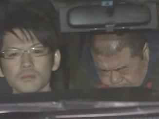 Hozumi Kamoshida (right)