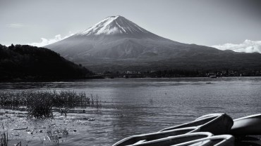 Black and white Fujisan