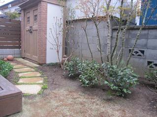 アルファウッド 施工前 の庭
