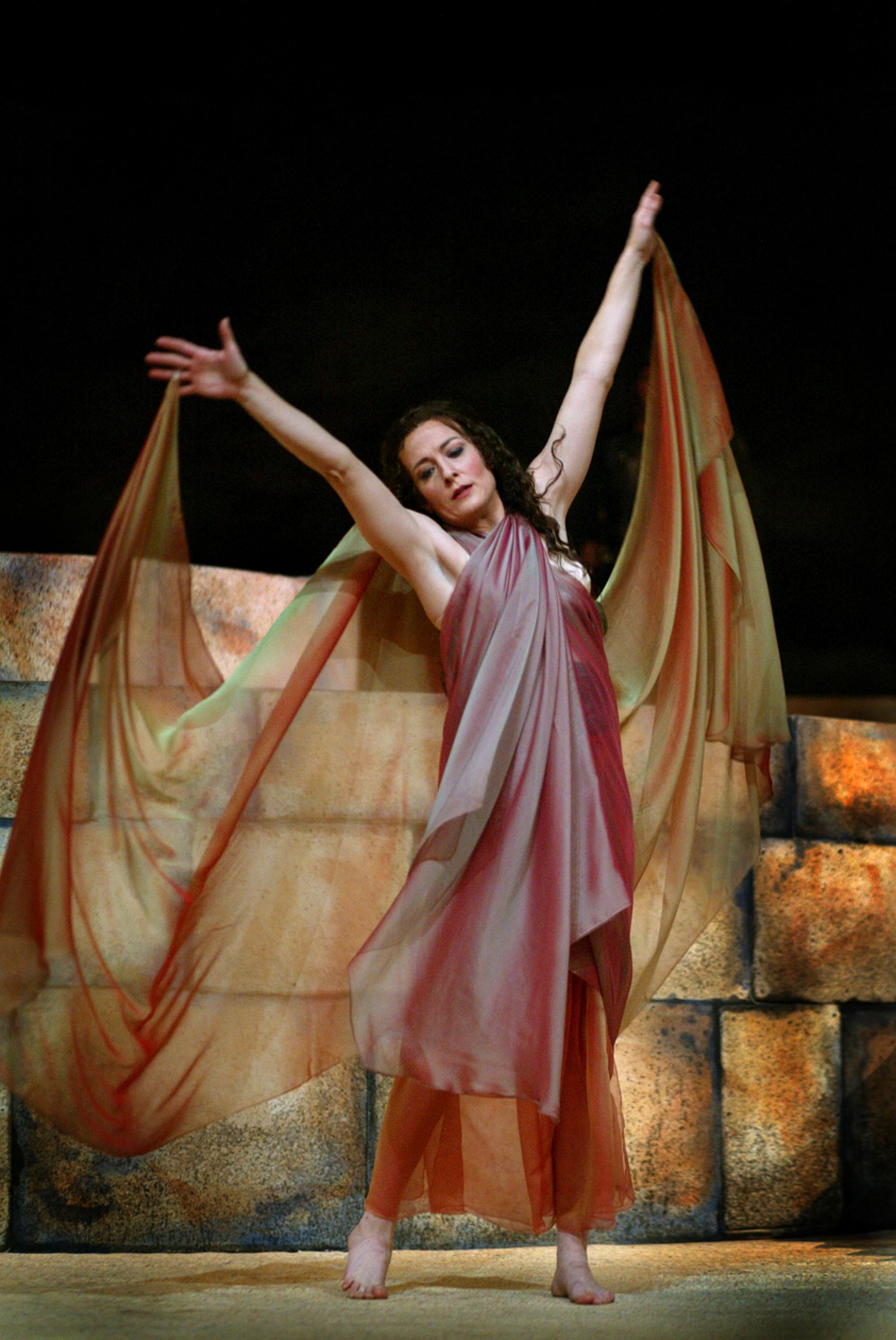 Toledo Operas New Production Has Local Flavor Via Set