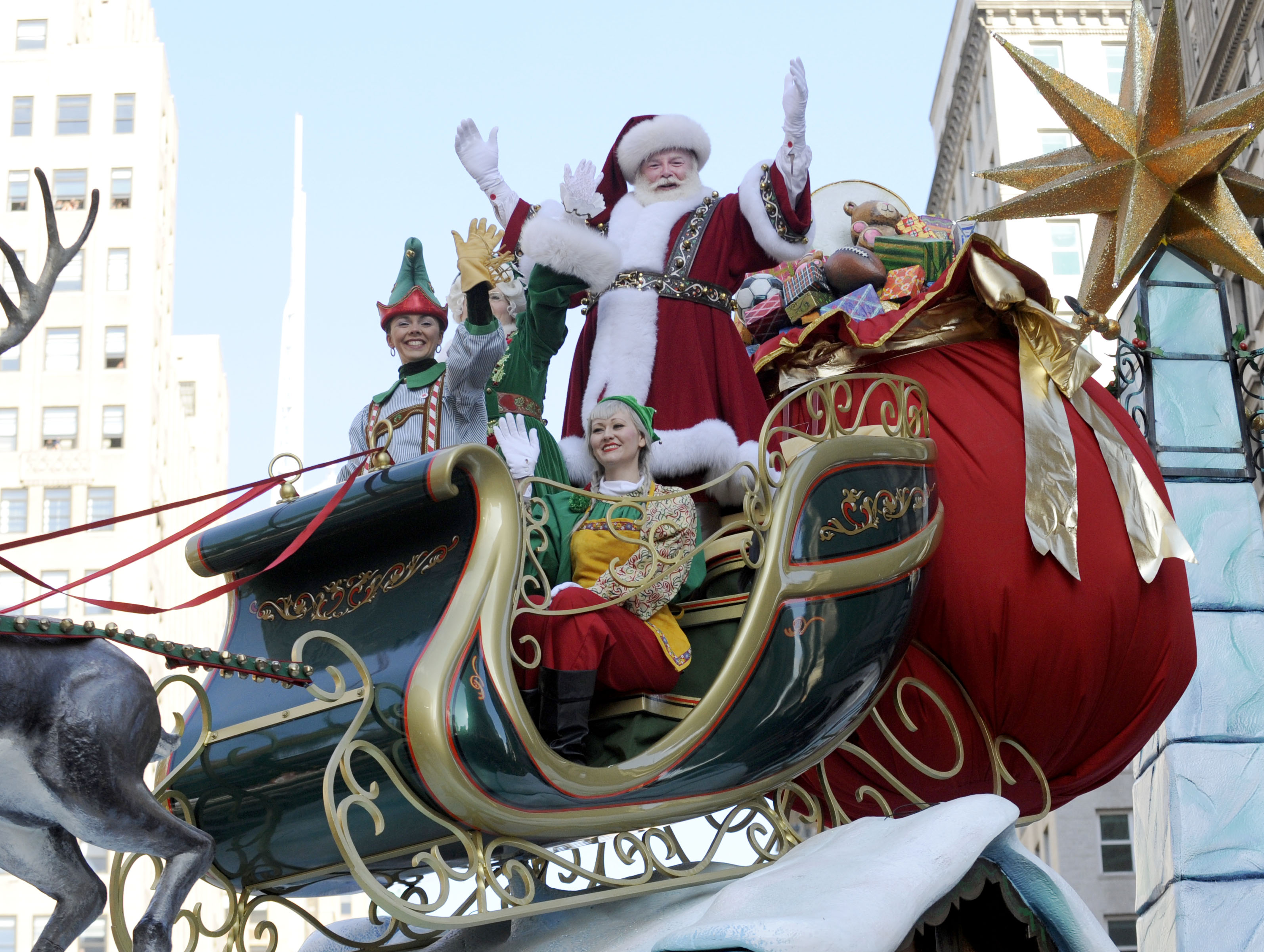 Thanksgiving Parade Brings Cheer To Storm Hit NYC The Blade
