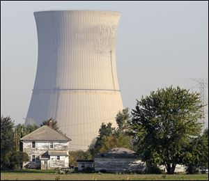 The Davis-Besse nuclear power station in Oak Harbor will remain out of operation for a couple weeks while a wiring problem is fixed.