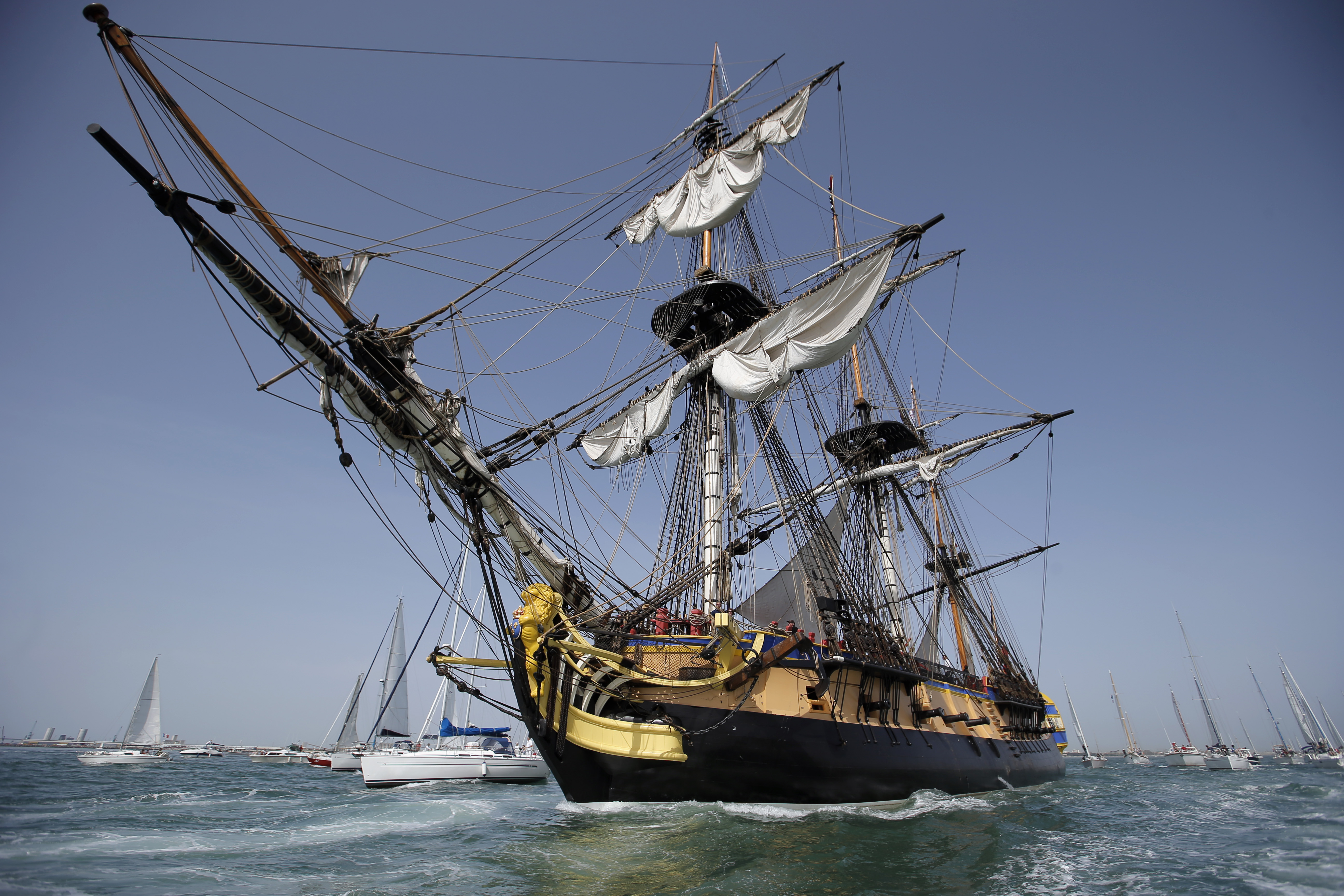 French Replica Of Frigate Sets Sail For Boston The Blade