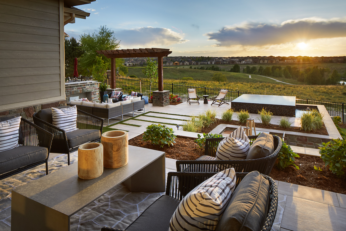 how to arrange patio furniture for