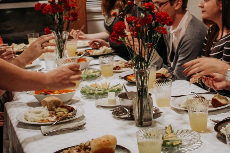 How to Roast a Turkey Overnight + Other Tips on Hosting Friendsgiving