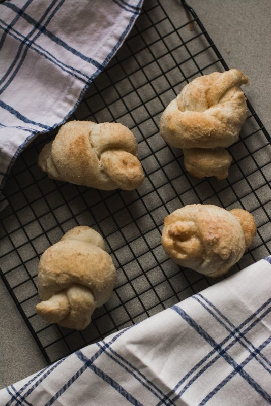 Cinnamon Love Knots -- Perfect accompaniment to a hot cup of cocoa on a cold afternoon!