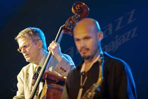 Charlie Haden y Miguel Zenon Festival de Jazz de Vitoria, 14 de julio de 2005 © Sergio Cabanillas