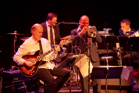 John Scofield & Scottish National Jazz Orchestra Queen Elizabeth Hall, Londres © Sergio Cabanillas, 2010