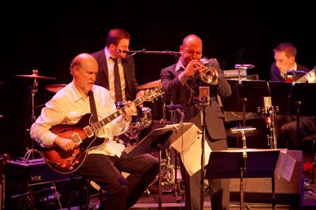 John Scofield & Scottish National Jazz Orchestra Queen Elizabeth Hall, Londres © Sergio Cabanillas, 2010
