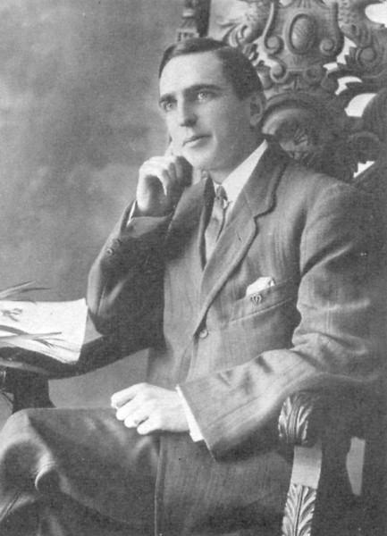 «Joseph Lamb ca. 1915» de Desconocido - http://www.findagrave.com/cgi-bin/fg.cgi?page=pis&GRid=8943301&PIgrid=8943301&PIcrid=641095&PIpi=994618&. Disponible bajo la licencia Dominio público vía Wikimedia Commons - https://commons.wikimedia.org/wiki/File:Joseph_Lamb_(musician)_ca._1915.jpg#/media/File:Joseph_Lamb_(musician)_ca._1915.jpg