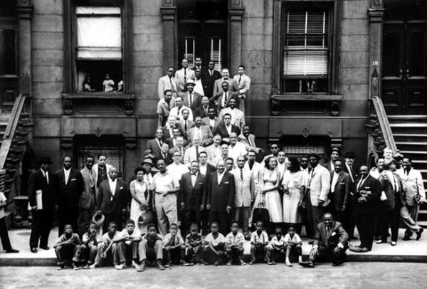 A Great Day in Harlem or Harlem 1958. Fotografía por Art Kane.