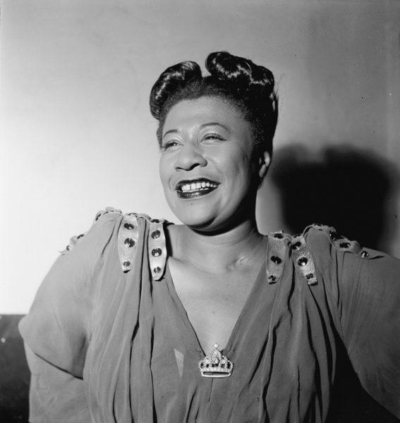 Ella Fitzgerald. Noviembre de 1946. Fotografía por William P. Gottlieb.