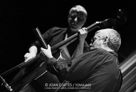 INSTANTZZ: Dani Pérez & David Mengual (5è Cicle de Duets de Jazz i Músiques Improvisades, Casal Francesc Macià, Centelles. 2017-03-19)