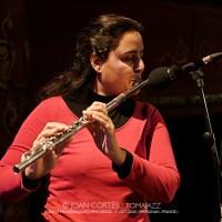 "INSTANTZZ: Naïssam Jalal & Rhythms of Resistance, ""Un Autre Monde"" (32ème Festival Jazzèbre / Teatre Municipal Jordi Pere Cerdà, Perpignan -France-.  2020-10-17) [Galería fotográfica AKA Fotoblog de jazz, impro... y algo más] Por Joan Cortès"