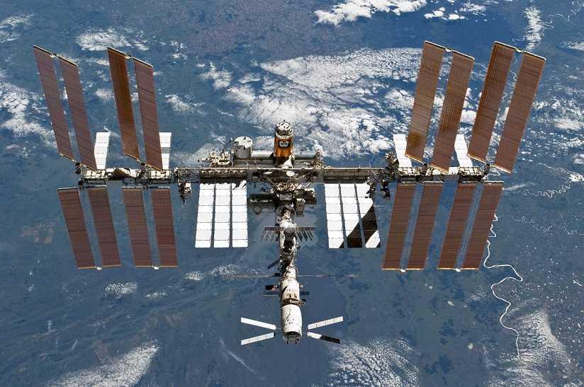 Stanice ISS Vesmír