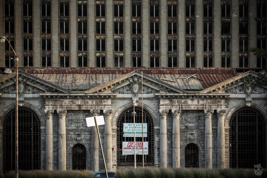 Michigan Central Station ミシガンセントラルステーション デトロイト 廃墟