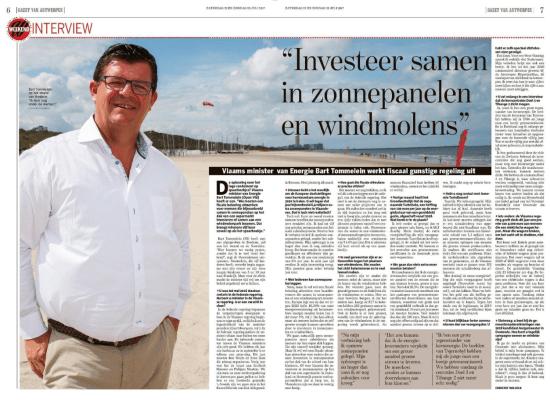 Foto van interview met Vlaams minister van Energie Bart Tommelein in de Gazet van Antwerpen