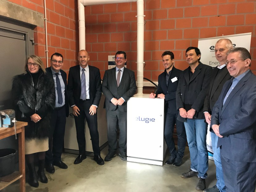 O.a. Minister Tommelein, Burgemeester Gysbrechts, Schepen De Cuyper en de mini-energiecentrale van Elugie