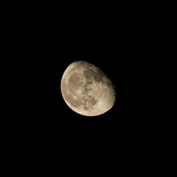 Månen fra 27 nov. S/H og farver. 2