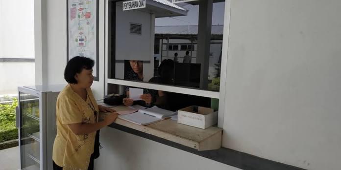 Pelayanan Instalasi Farmasi RSUD Anugerah Tomohon