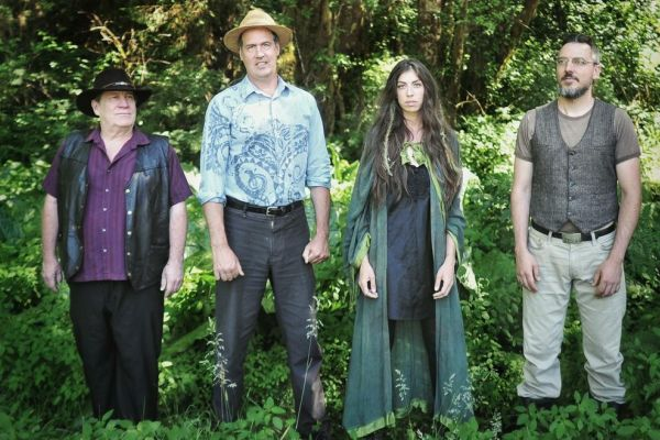 giants-in-the-trees-novoselic