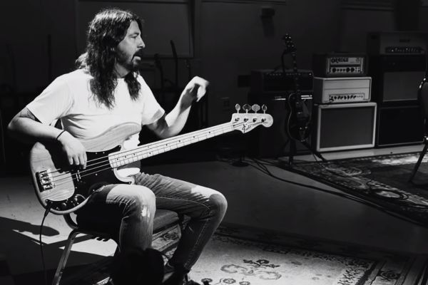 dave-grohl-play