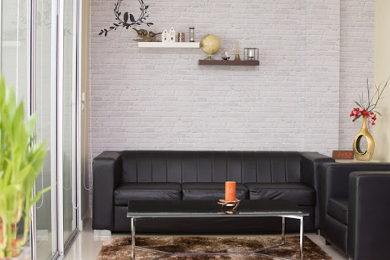 How To Clean Your Leather Furniture (Non-White Surfaces)