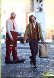 joaquin-phoenix-the-joker-movie-05