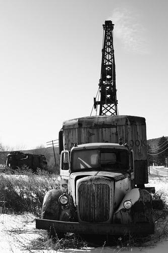 Dead Crane Truck (2)