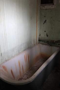 Rusted Tub_7035957305_l