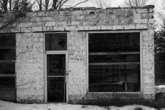 abandoned-gas-station-1