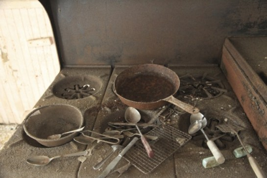 old_lodge_pots-pans-and-everything-else_5633838326_o_37