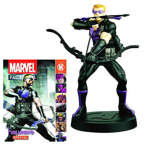 Hawkeye Statue features the skillful Archer at his best