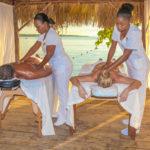 hedo-massage-couple-beach-1
