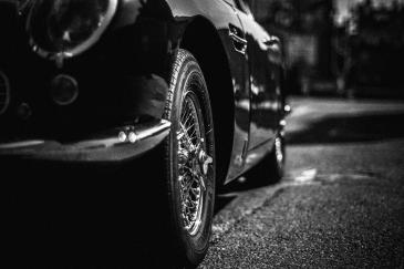 Aston_DB6_01