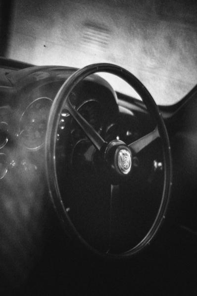 Aston_DB6_07