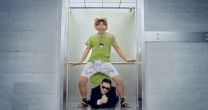 130409_PSY ascensore